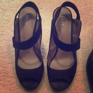 Levity Black Heels Size 8.5